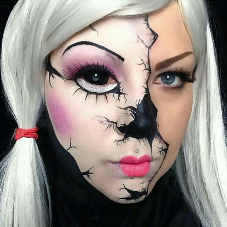 bambola-halloween-metà-viso-capelli-biondi-lenti-da-contatto-colore-nero