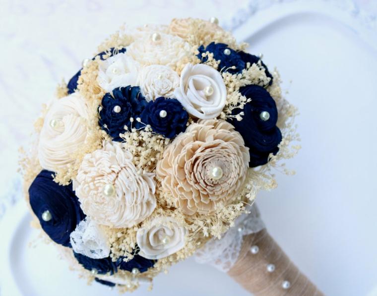 bouquet-sposa-fiori-stoffa-bianchi-avorio-blu-perle-decorazione