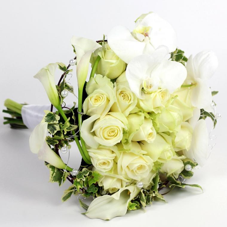 bouquet-sposa-orchidee-bianche-rose-bianche-forma-rotonda