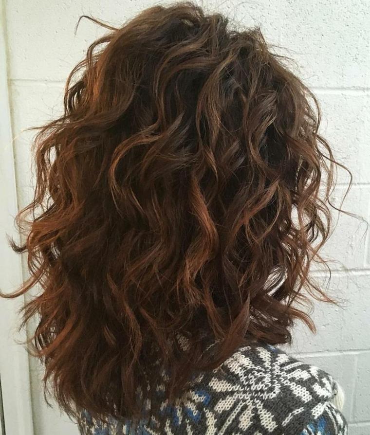 capelli-ondulati-haistyle-naturale-taglio-sotto-spalle
