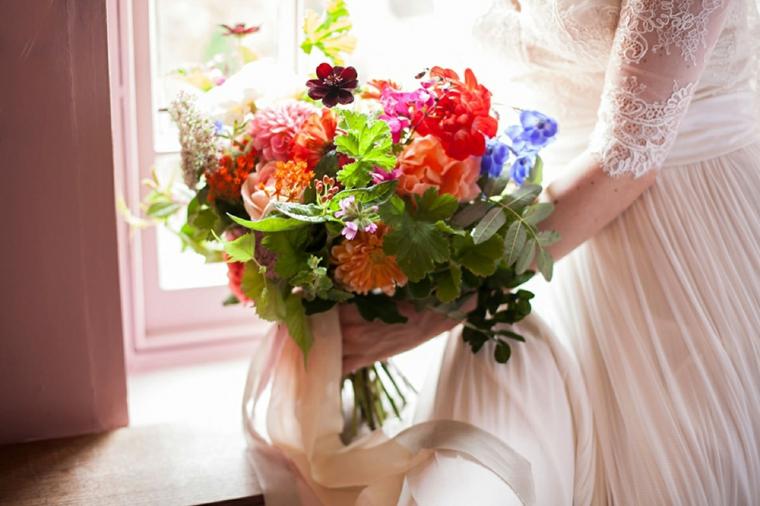fiori-belli-bouquet-colori-vivaci-rosso-arancio-blu