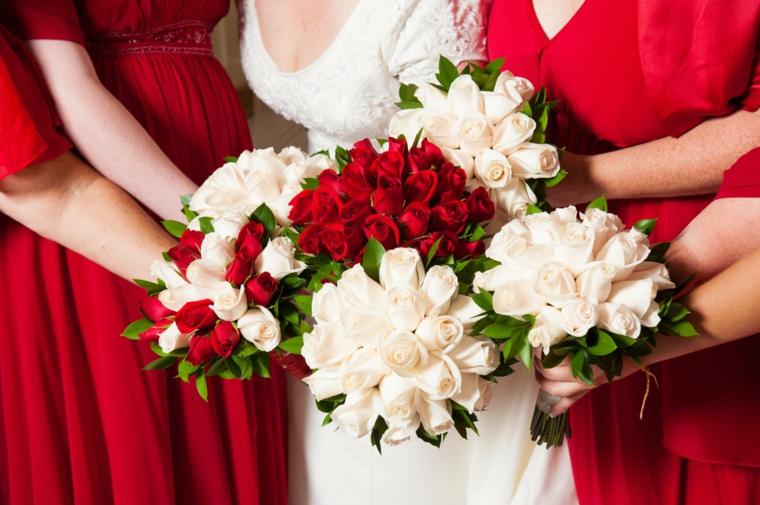 fiori-matrimonio-bouquet-damigelle-sposa-rose-bianche-rosse