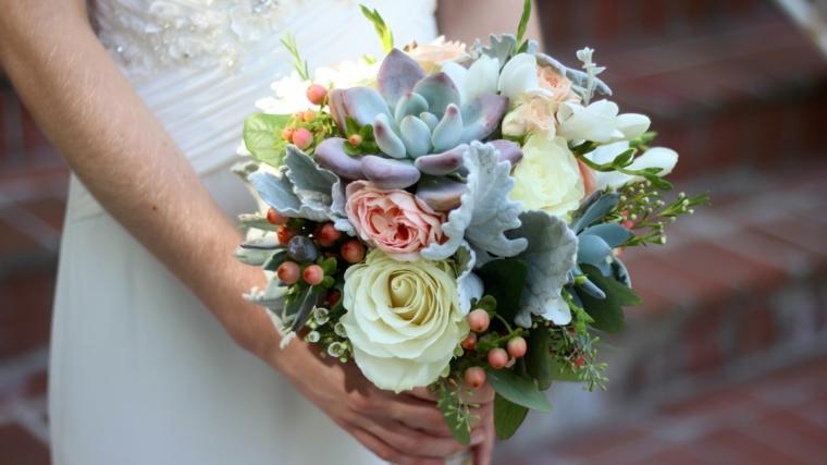 fiori-matrimonio-bouquet-fiori-piante-grasse-colori-tenui