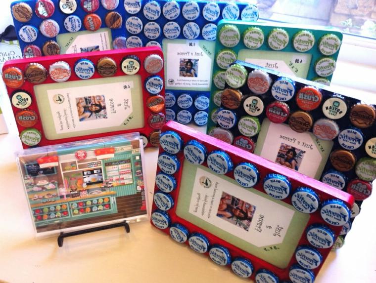 idee-creative-riciclo-decorazioni-cornici-tappi-bottiglie-colorati-diversi-uno-altro