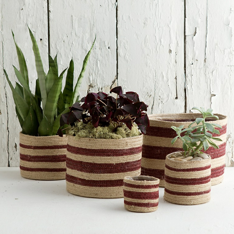 idee-creative-riciclo-vasi-fai-da-te-sacchi-juta-piante-grasse