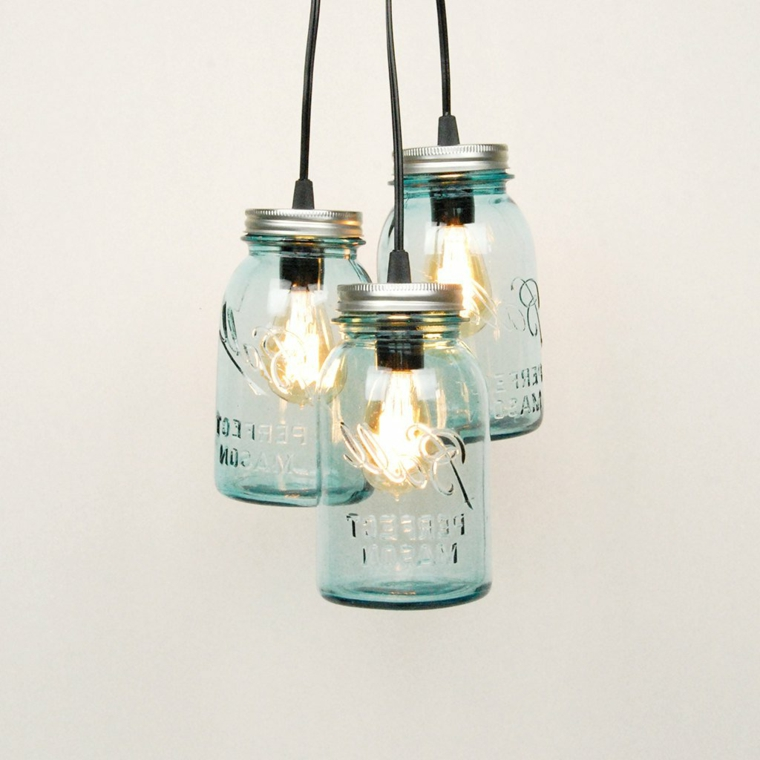 idee-riciclo-barattoli-vetro-conservare-cibo-interno-lampadine-filo-elettrico-ndero