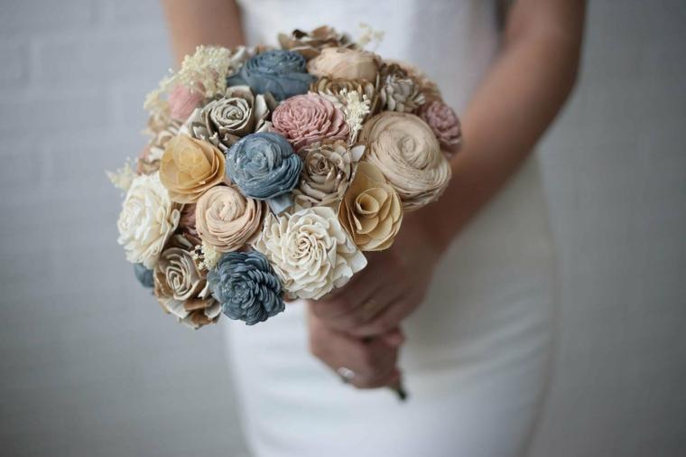 mazzi-di-fiori-particolari-bouquet-tondo-rustico-colori-crema-beige-azzurro