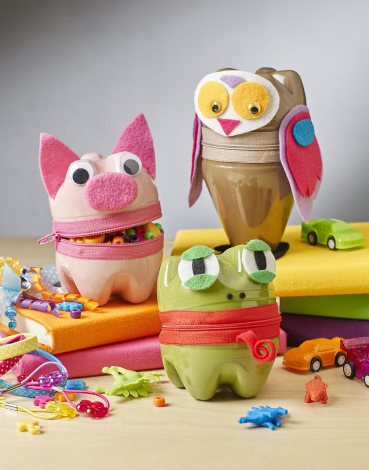 riciclaggio-creativo-bottiglie-plastica-animali-porta-giochi-colorati-cerniera-mezzo