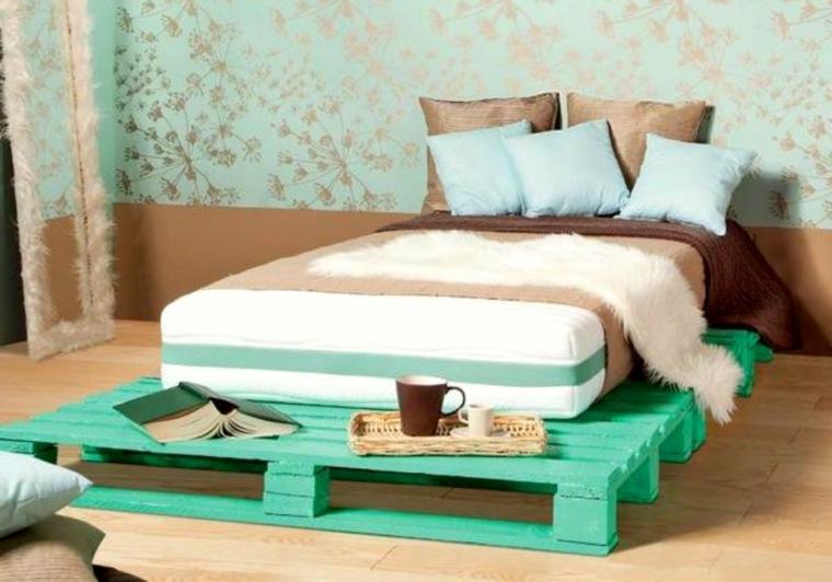 riciclo-creativo-pallet-letto-legno-piazza-mezza-colorato-verde-pastello-struttura-ampia-appoggiare-oggetti