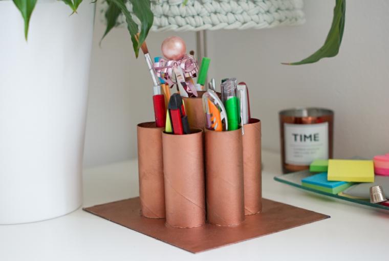 Riciclare i rotoli di carta igienica, organizer per la scrivani con rotoli di carta