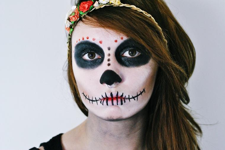 trucchi-semplici-per-halloween-donna-sugar-skull-bocca- Trucco Halloween   idee ... 9f26d1e4116a