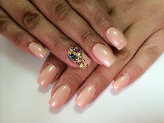unghie-lunghe-squadrate-smalto-color-pesca-anulare-decorato-disegni-pietre