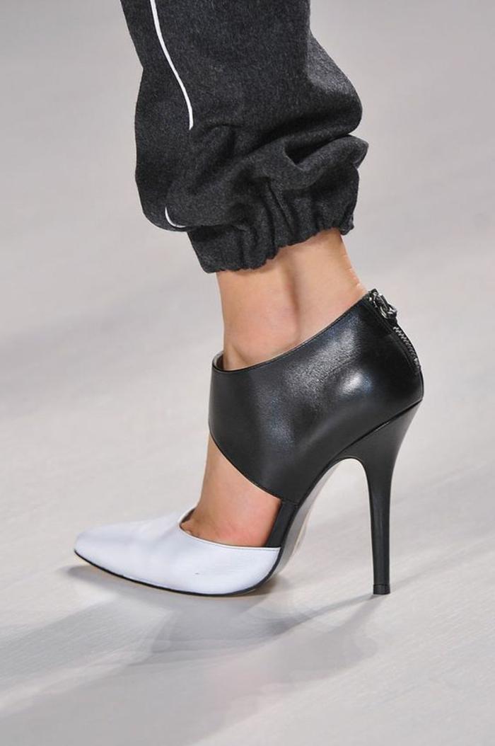 abbigliamento-informale-pantalone-nero-sportivo-striscia-bianca-tacchi-alti-pelle-bianco-neri-zip