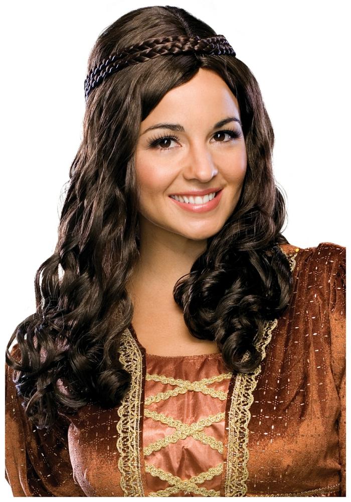 acconciatura-medievale-ragazza-sorridente-capelli-lunghi-castano-scuri-abito-epoca