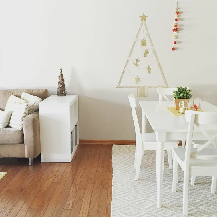 Albero di Natale fai da te, idea con washi tape per decorare le pareti a tema senza rinunciare allo stile e all'eleganza