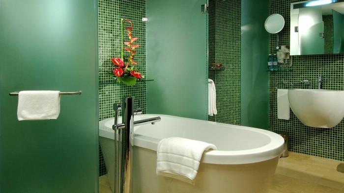 Piastrelle bagno verde tiffany: ceramiche per pavimenti e
