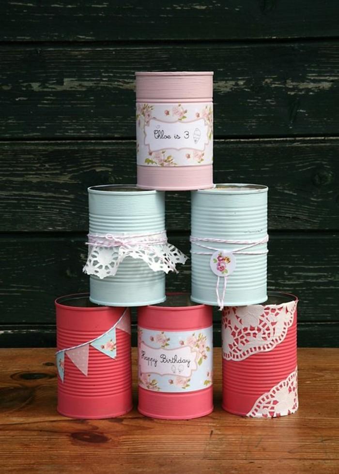 barattoli-decorati-fai-da-te-vernice-acrilica-rossa-azzurro-pizzo-carta-colorata-portaoggetti