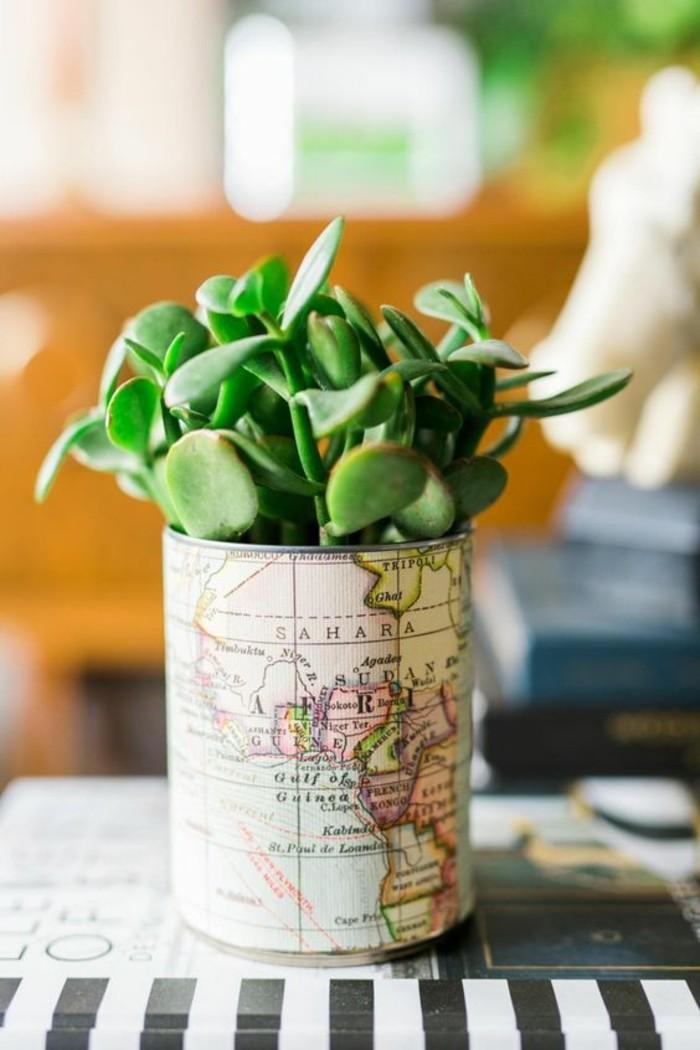 barattoli-decorati-mappamondo-incollato-idea-decorazione-riciclo-vaso-piantine-grasse