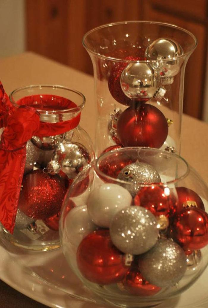 barattoli-di-vetri-decorati-idea-decorazioni-natalizie-fai-da-te-interno-palline-rosse-argento