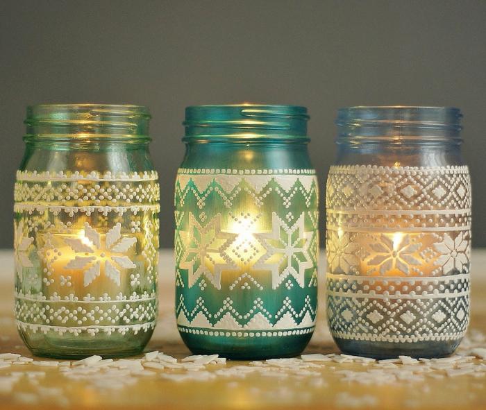 barattoli-di-vetro-decorati-interno-candele-esterno-applicazioni-stoffa-tema-natalizio-bianche
