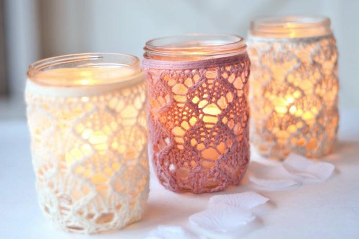barattoli-di-vetro-decorati-tre-lanterne-fai-da-te-candela-interno-centrino-diversi-colori