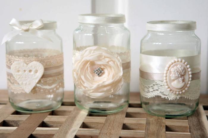 barattoli-in-vetro-idea-decorazione-fai-da-te-stile-shabby-chic-rosa-cammeo-cuore-bianchi