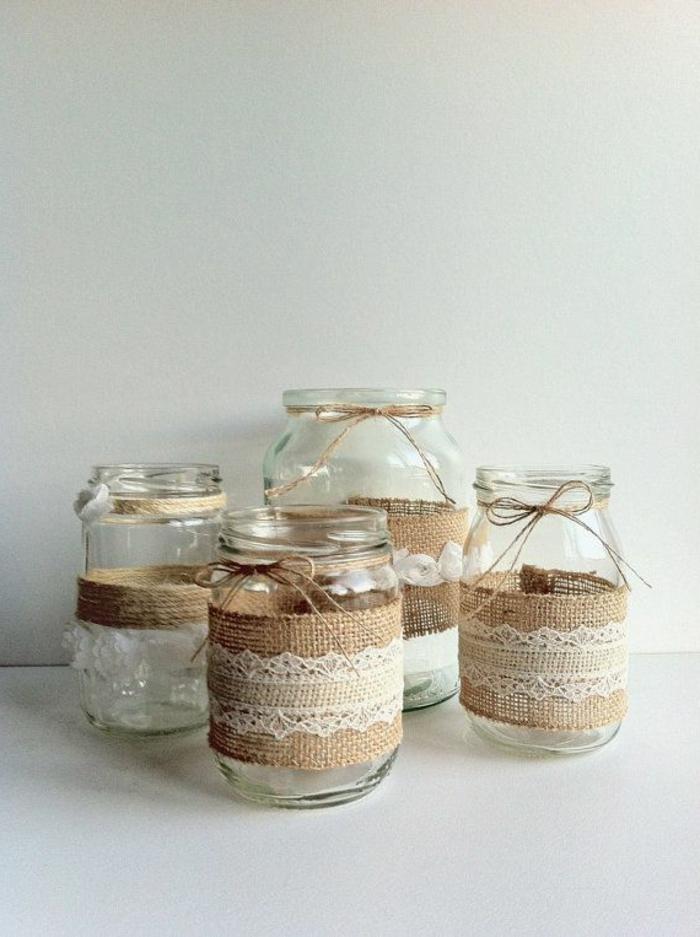barattoli-in-vetro-idea-riciclo-creativo-stoffa-cotone-grezzo-pizzo-bianco-centro