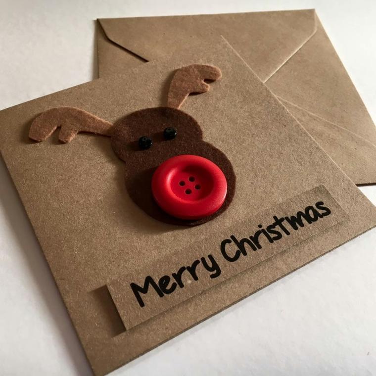 biglietti natale, una simpatica renna con un bottone rosso al posto del naso