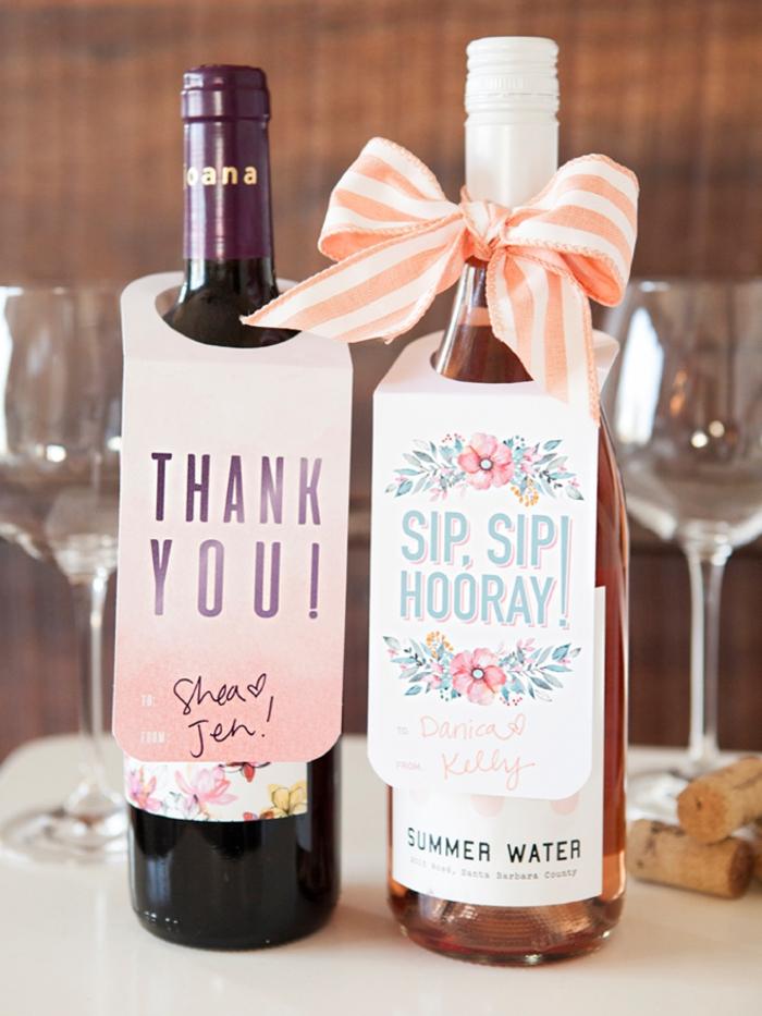 biglietto-decorare-bottiglie-vino-rose-fiocco-scritta-stampata-idea-regalo-fai-da-te