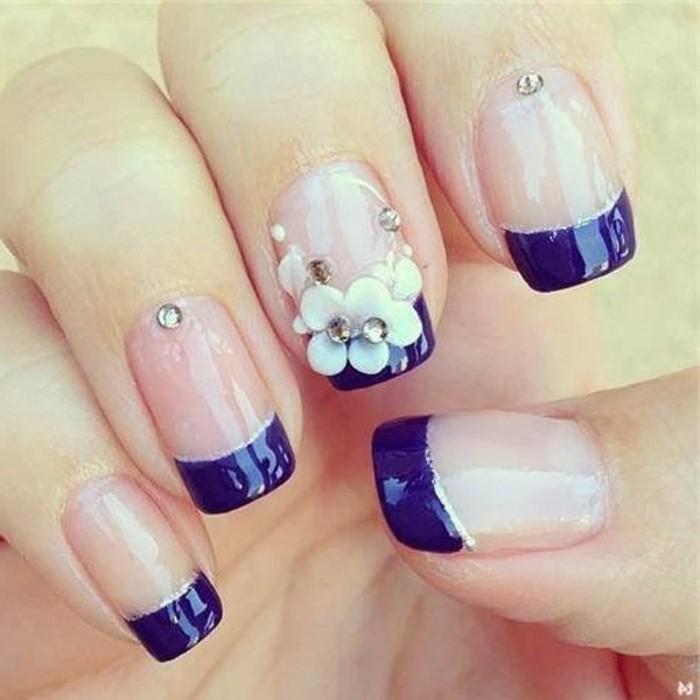 brillantini-per-unghie-singoli-alto-anulare-indice-french-blu-fiori-bianchi-brillantini-medio