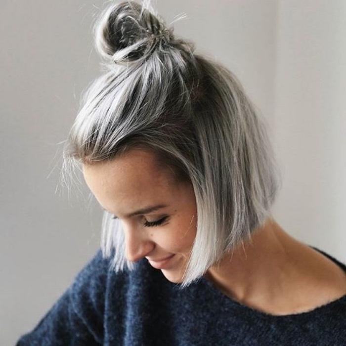 capelli-a-caschetto-versione-corta-capelli-biondo-polare-chignon-donna-capelli-lisci