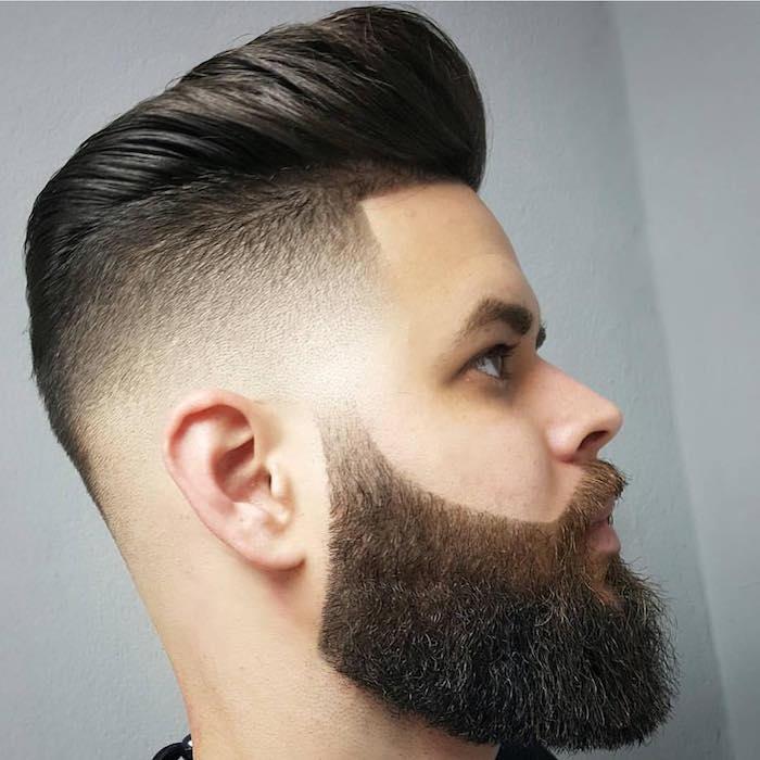 capelli-uomo-sfumati-rasati molto-corti-ciuffo-lungo-banana-barba-baffi-molto-lunghi