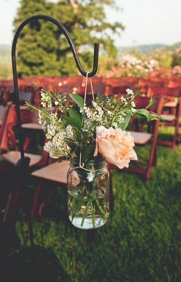 come-decorare-un-vaso-di-vetro-porta-fiori-fai-da-te-esterni-rose-corda-appendelo