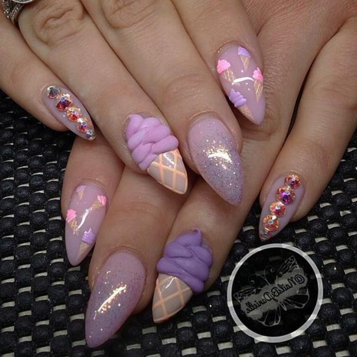come-fare-le-unghie-a-punta-base-smalto-glitter-decorazioni-gelato-brillantini-mignolo
