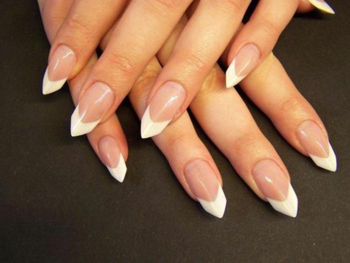 come-fare-le-unghie-a-punta-french-manicure-rombo-base-trasparente-french-smalto-bianco