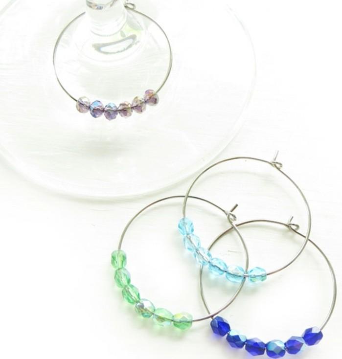 cosa-regalare-alla-migliore-amica-braccialetti-facile-da-realizzare-fai-da-te-cerchio-argento-perline-colorate