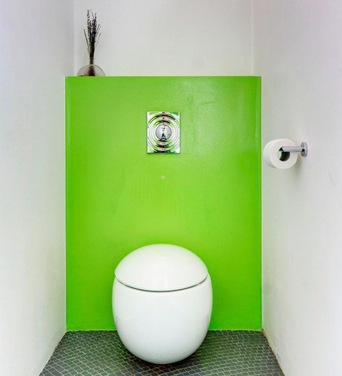 decorazioni-bagno-wc-design-moderno-arredamento-stile-minimal-abbinamento-verde-al-bianco