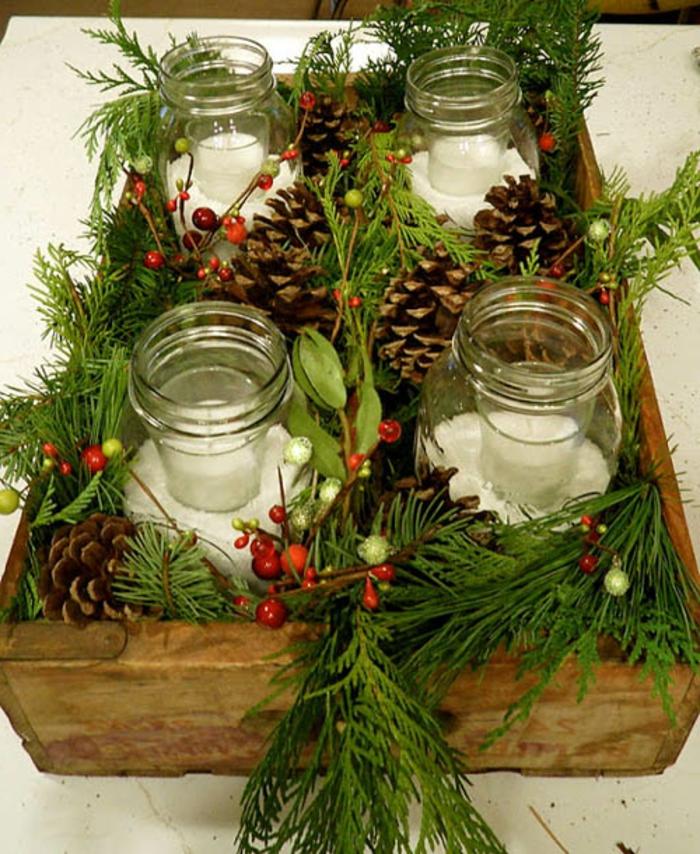 decorazioni-natalizie-fai-da-te-vasetti-vetro-interno-candela-cassa-legno-vischio-bacche