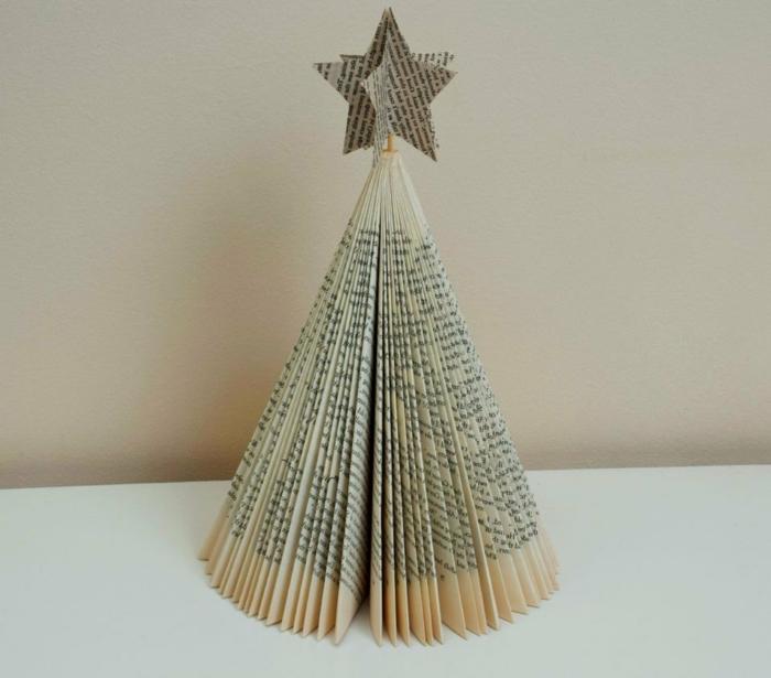 ecco-come-creare-decorazioni-natalizie-piegando-pagine-libro