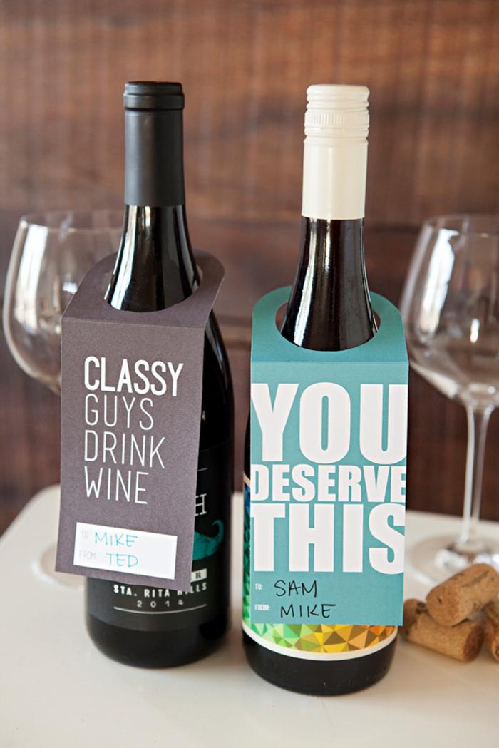 etichette-personalizzate-per-bottiglie-vino-biglietto-colorato-scritte-stampato-bicchiere-tappi-sughero