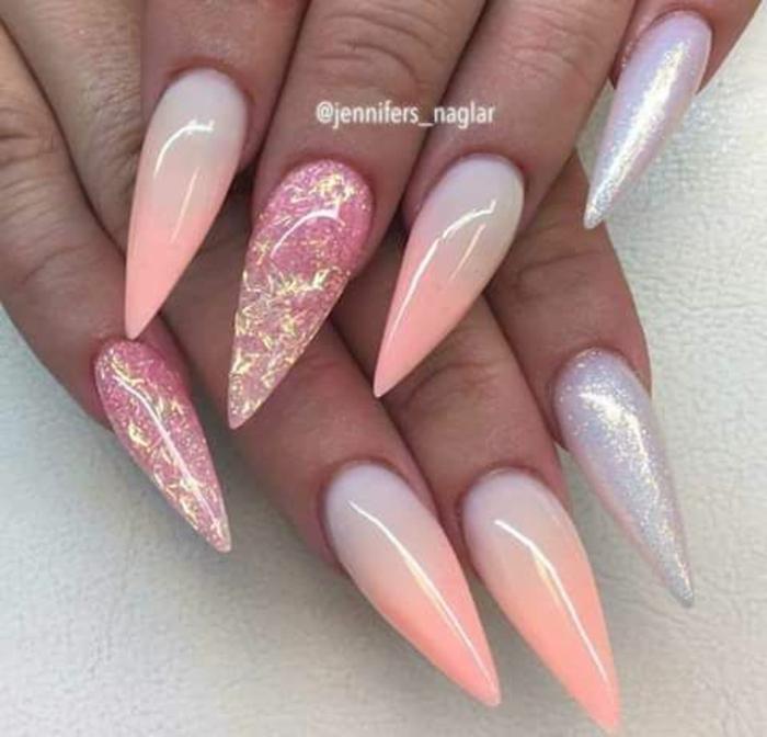 gel-unghie-stiletto-lunghe-artiglio-colori-luminosi-chiari-ideali-estate