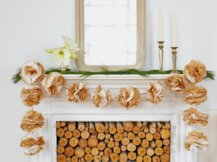 ghirlande natalizie di carta, proposta elegante realizzata con dei grandi fiori in carta crespa
