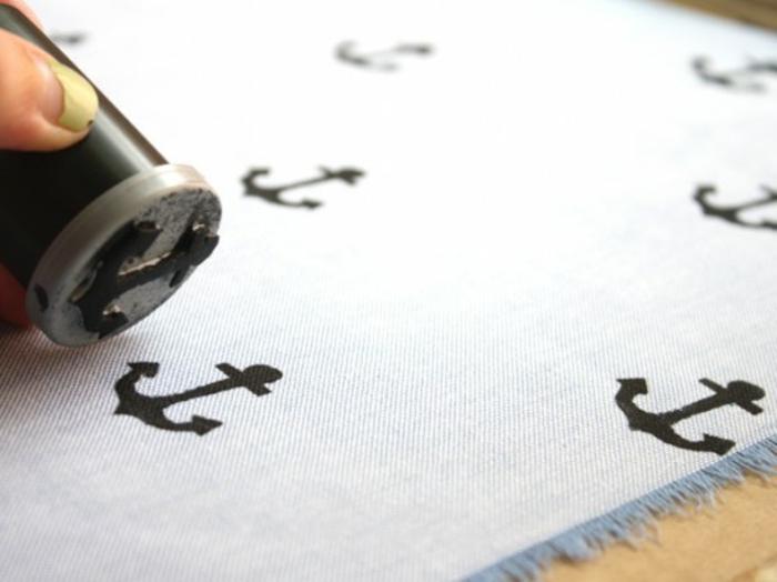 idee-regalo-festa-del-papà-fazzoletto-da-taschino-pochette-uomo-timbro-ancora-praticare-bricolage-fai-da-te