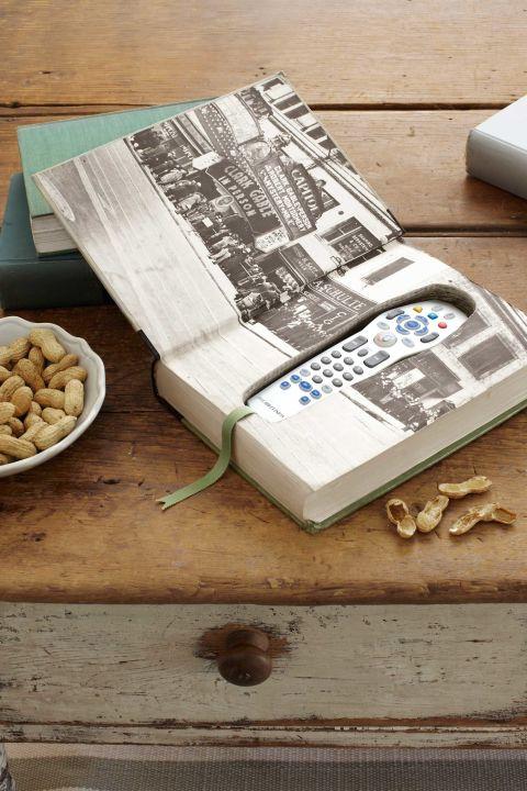 idee-regalo-festa-del-papà-supporto-telecomando-libro-finto-nascondere-forma-fai-da-te-creativo