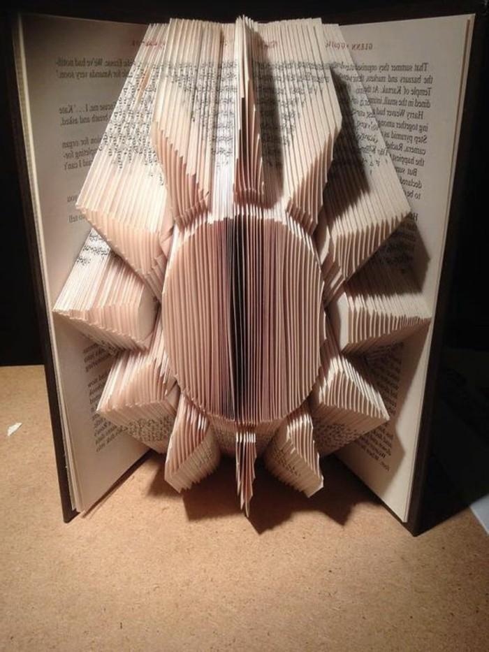 il-riciclo-diventa-creativo-grazie-nuova-tecnica-piegare-pagine-libro