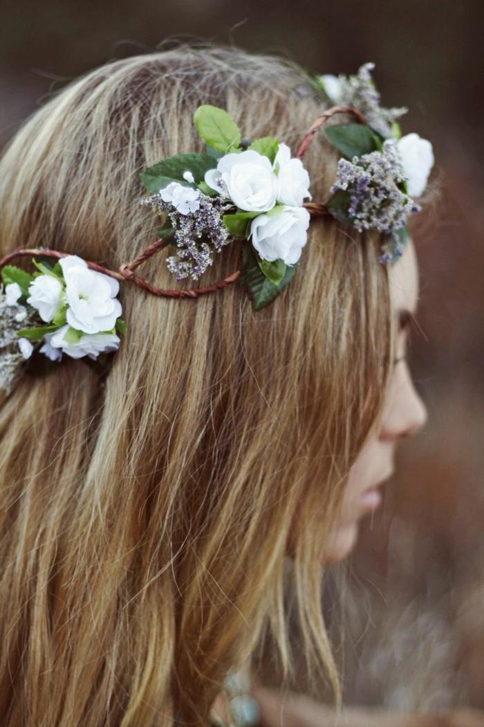 immagine-profilo-ragazza-evidenzia-corona-fiori-realizzata-modo-semplice-originale