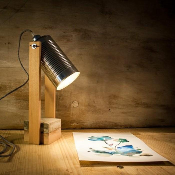 lampada-da-tavolo-fai-da-te-barattolo-latta-pezzi-legno-luce-stile-industriale
