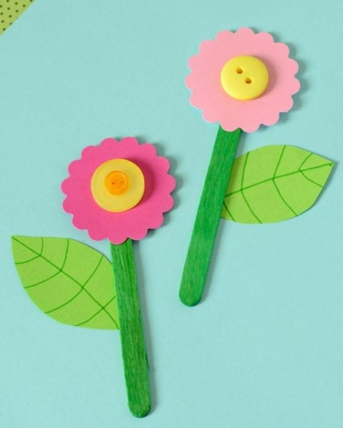 lavoretti-da-fare-con-i-bambini-fiori-carta-centro-bottoni-multicolore-bastoncino-legno-colorato-verde-gambo