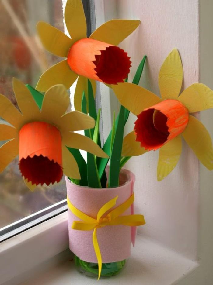 lavoretti-facili-per-bambini-girasole-multicolore-cartoncino-colorato-vaso-cilindro-fiocco-giallo