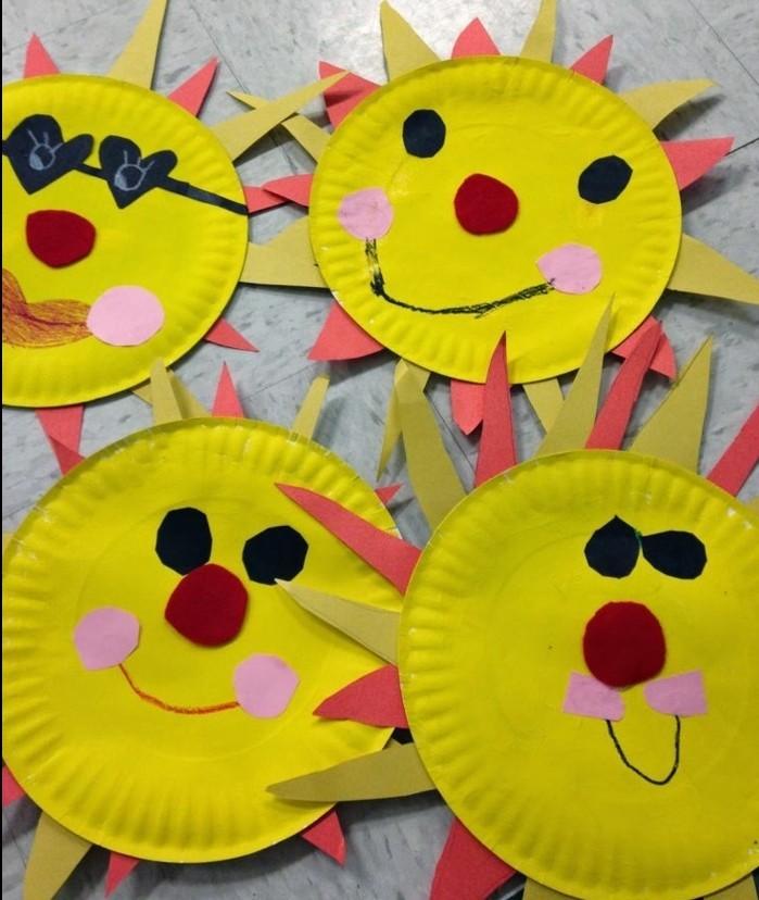 lavoretti-semplici-per-bambini-sole-realizzato-piatto-carta-colorato-decorato-naso-occhi-raggi